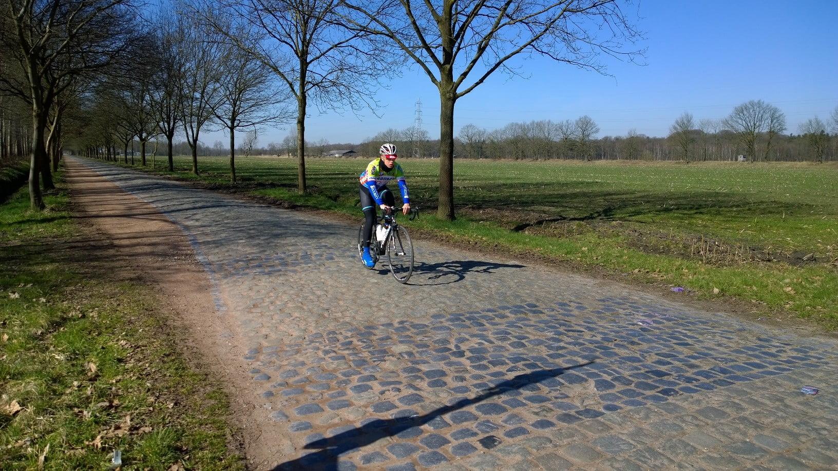 Fant nye brosteinsveier. Dette er Heide, 1.9 km lang seksjon som du finner her på strava.